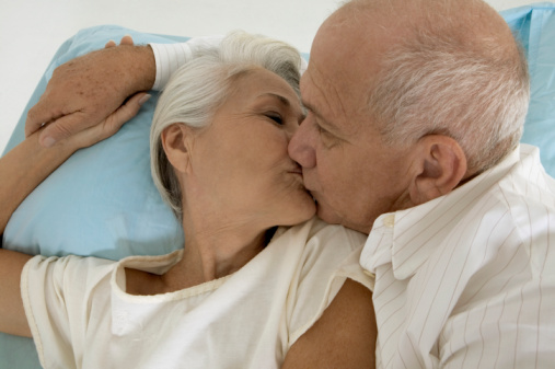 Many older adults going online to discuss, learn about sex