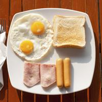 high protein breakfast helps women maintain glucose control